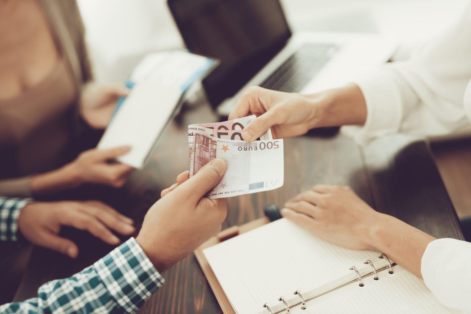 Открытие визового центра по франшизе: как выбрать франшизу и начать успешно работать