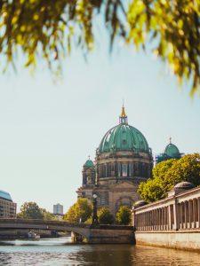 Как получить визу в Германию по приглашению?