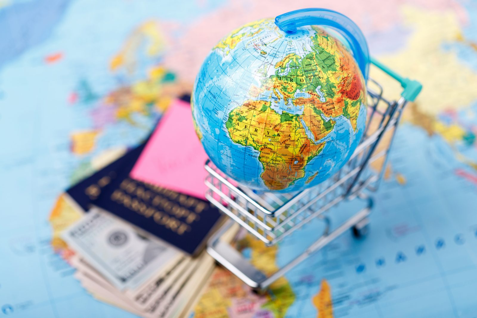 Фото про паспорта, земной шар, деньги и путешествия