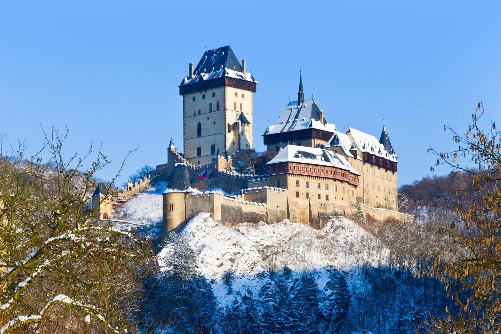 Телепортируемся в Прагу за 3 дня: как оформить срочную визу в Чехию?