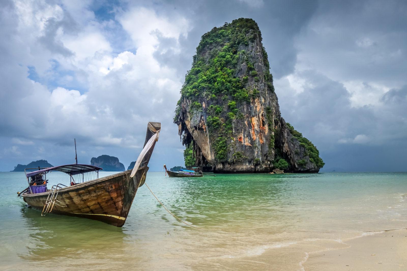 Таиланд отменяет въездные карточки