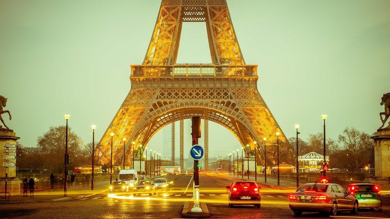 визовые центры Франции возобновили работу